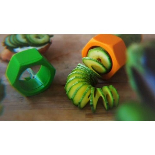 Cocumbo bullone affetta verdura