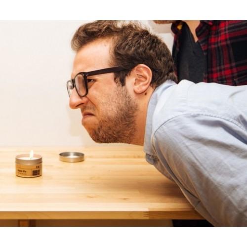 Candela scherzo profumo puzza