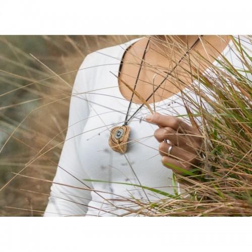 Collana Jacaranda lavorata a mano - Seme perforato e lavorato