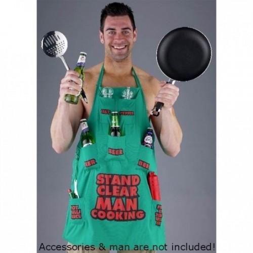 Grembiule uomo in cucina